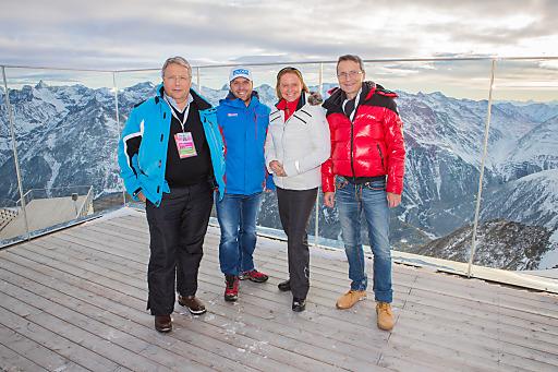 Franz Hörl (Obmann FV Seilbahnen), Christian Schnöller (Bergbahnen Sölden), Dr. Petra Stolba (GF Österreich Werbung) und Erik Wolf (GF FV Seilbahnen) am IceQ im Rahmen des Skiweltcup-Openings in Sölden am 25. Oktober 2014.