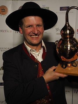 "Bild zu Georg Hiebl - Weltmeister der Edelbrenner!.IWSC London ""Boutique Distiller of the year 2014"""