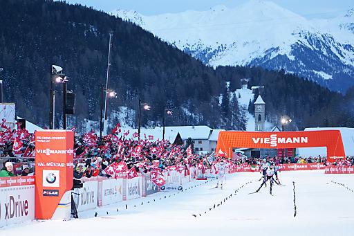 FIS Tour de Ski im Val Müstair. In Tschierv im Val Müstair sprintet am 6. Januar die Langlaufelite erneut - wie hier am 1. Januar 2013 -um Weltcup-Punkte und um den Titel an der diesjährigen FIS Tour de Ski, (C) Dominik Täuber