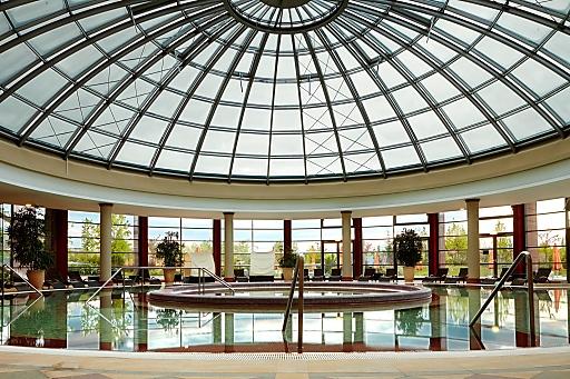 Österreichs größter Betreiber von Thermen- und Gesundheitsresorts, die VAMED Vitality World, hat die Betriebsführung des Aquaworld Resort Budapest übernommen. Das 4*-Superior Resort ist eine der beliebtesten Stadtthermen in Budapest und eines der größten Thermenresorts Ungarns.