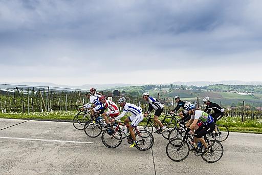 Veröffentlichung nur mit (c) TV Bad Radkersburg/pixelmaker.at. Bild zeigt: Mit dem österreichischen Radprofi Edi Fuchs in die Pedale treten bei den Trainingstagen (9.-12.4.2015) im Rahmen des großen Rad-Openings von Bad Radkersburg.