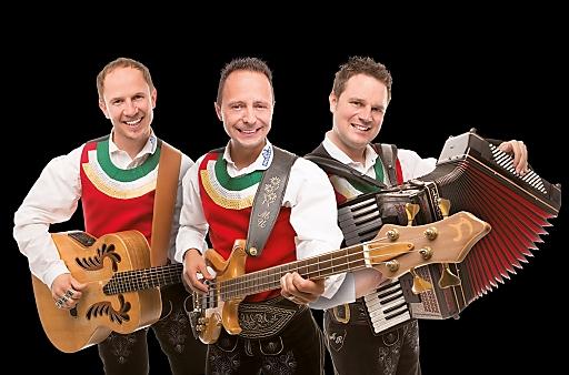 """Bei der ersten Musik Ski- und Fanwoche mit den """"Jungen Zillertalern"""" in Dienten am Hochkönig erwartet die Fans ein bunter Mix aus fetziger Volksmusik und Schlager."""