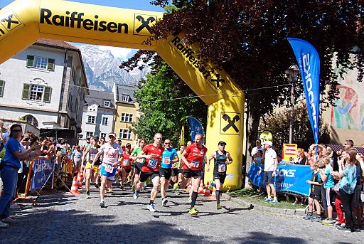 Startbogen beim Halbmarathon Hall-Wattens