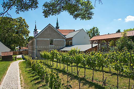 Ausstellungsgelände WEIN+TRAUBEN Welt im Vino Versum Poysdorf