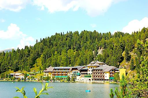 Seehotel Jägerwirt ist Romantik Hotel direkt am Bergsee