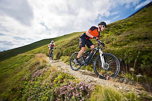 Klettersteigset Gigasport : Sport 2000 startet mit online bikeverleih in den sommer