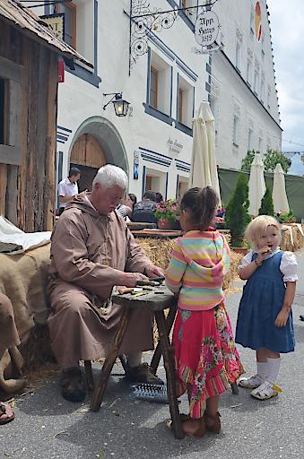 Pfeiferlschnitzen beim Klosterbräu, wir bieten ein tolles Kinderprogramm für alle Altersklassen
