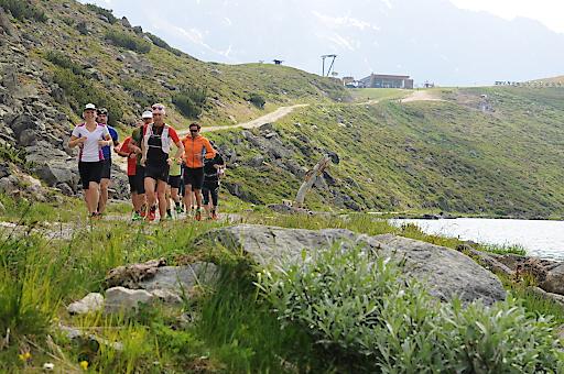 Auf den Trails rund um den Rifflsee mit Profi-Athlet Markus Kröll am Praxistag des Pitztaler Trail Running Symposiums