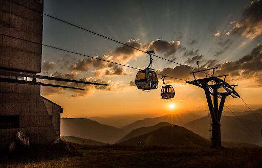 """Bergbahnen-Bergsommer - 2015 weiter massiv im Aufwind. Die Sommer-Nachfrage ist dank der attraktiven Erlebnisangebote der """"Besten Österreichischen Sommer-Bergbahnen"""" sehr erfreulich."""