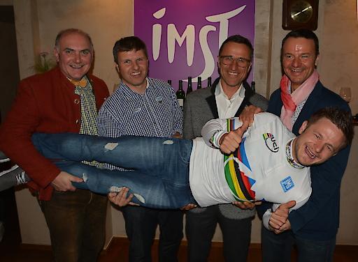 Daniel Federspiel, Rad Weltmeister in der Disziplin Cross Country Eliminator 2015, repräsentiert als Testimonal perfekt das attraktive Radsportprogramm der Ferienregion Imst.