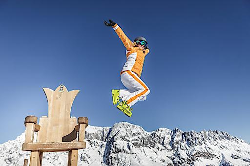 Frühlings Skifahren am Gipfel der Gefühle genießen!