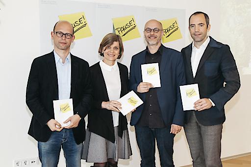 Im Bild v.l.n.r.: Hans-Joachim Gögl (Künstlerischer Leiter) , Dr. Barbara Schöbi-Fink (Vizebürgermeisterin) , Folkert Uhde (Künstlerischer Leiter) und Mag. Edgar Eller (Geschäftsführer Montforthaus)