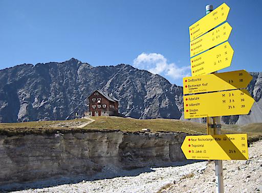 Die Alpenvereinshütten heißen ihre Gäste in der neuen Saison willkommen. Im Bild: die Neue Reichenberger Hütte.