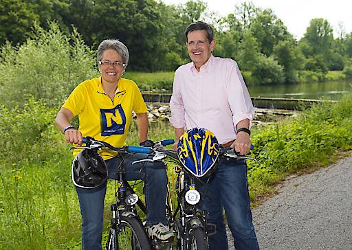 Tourismuslandesrätin Dr.in Petra Bohuslav und Prof. Christoph Madl, MAS (Geschäftsführer der Niederösterreich-Werbung) unterwegs am Traisentalradweg