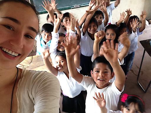 Lisa Marie-Müller war von September 2014 bis Juli 2015 mit dem Steyler Freiwilligendienst in Bolivien in einer Volks- und Mittelschule tätig und angagierte sich in der Jugendarbeit einer Pfarre.