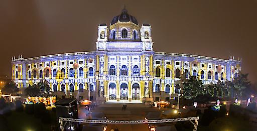 Projektion am Naturhistorischen Museum Wien
