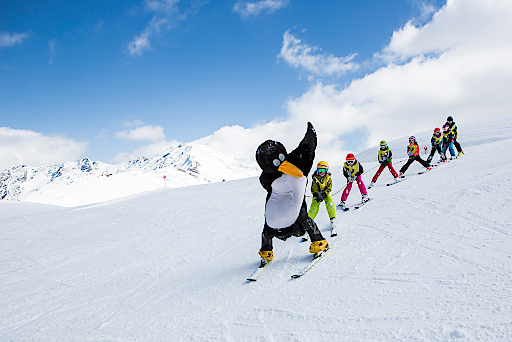 Gratis Kinderskiwochen & Kunterbunte Osterwoche in TirolWest