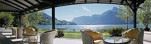 Traumhafter Ausblick von der Strandbar des Hotel Seehof Mondsee