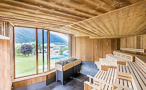 bild optimale erholung in der saunalandschaft von klafs im neuen telfer bad klafs gmbh. Black Bedroom Furniture Sets. Home Design Ideas