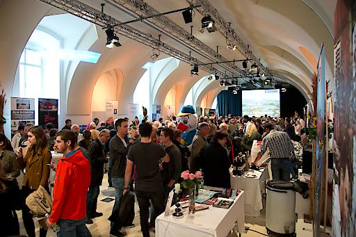 Mehr als 3.500 Besucher genossen burgenländische Köstlichkeiten rund um Wein&Kulinarik im Museumsquartier Wien.