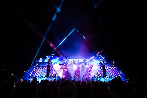 WOW Glacier Love – das Musik- und Wintersportfestival geht vom 3. - 5. November 2017 in die 4. Runde und bringt u.a. mit TOP-DJ und Musiker Timmy Trumpet internationalen Musik- und Partyflair nach Kaprun und aufs Kitzsteinhorn. Foto: WOW Glacier Love 2016 – Hauptbühne