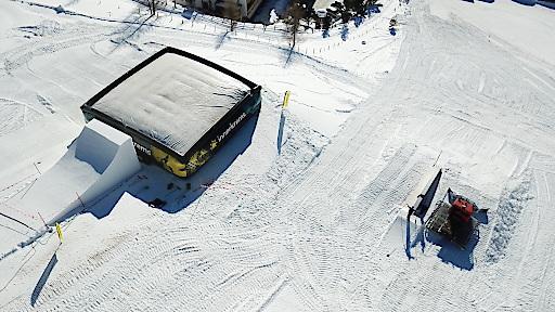 BIGAIRBAG 15 x 15 Meter im Snowpark Innerkrems