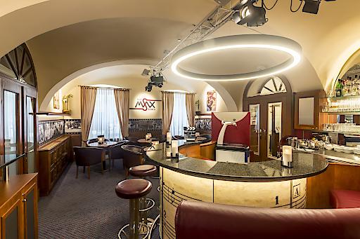 Mit einer neugestalteten Bar würdigt das Austria Classic Hotel Wien den berühmten Max Steiner, den Vater der Filmmusik, der in diesem Haus 1888 geboren wurde.