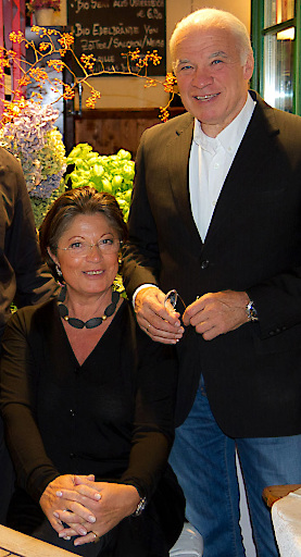 Im Bild v.l.n.r.: Constanta Cristina Rojik und re. Werner Rojik
