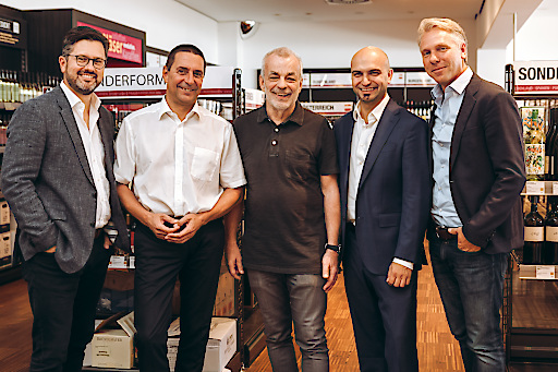 vlnr. Alexander Borwitzky (Vorstandsmitglied der Hawesko Holding AG), Wolfgang Frühbauer (Geschäftsführer WEIN & CO) , Heinz Kammerer (Gründer WEIN & CO), Paul Truszkowski (Geschäftsführer WEIN & CO), Thorsten Hermelink (Vorstandsvorsitzender Hawesko Holding AG)