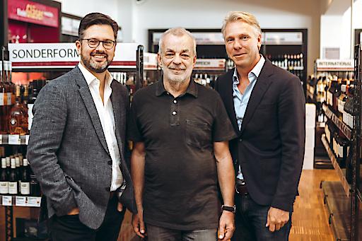 vlnr. Alexander Borwitzky (Vorstandsmitglied der Hawesko Holding AG), Heinz Kammerer (Gründer WEIN & CO), Thorsten Hermelink (Vorstandsvorsitzender Hawesko Holding AG)