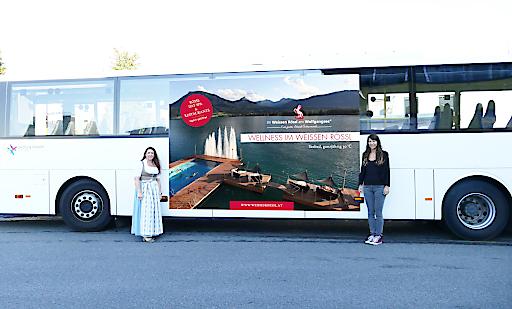 Mit dem Bus zum Wellness im Weissen Rössl.