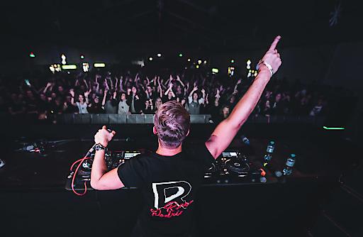 Rene Rodrigezz sorgte am Samstag für tolle Stimmung bei tausenden Fans. Insgesamt kamen von 2. bis 4. November 6.000 Partygäste in die Region Zell am See-Kaprun