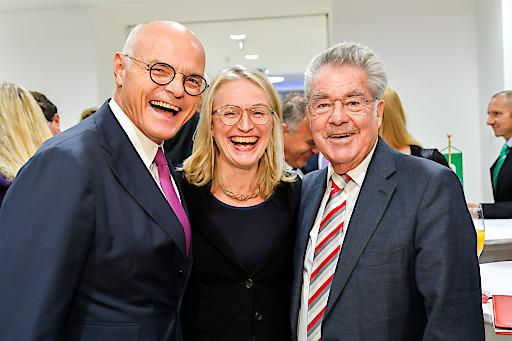 v.l. Karl Stoss (Vizepräsident Verein der Freunde des Nationalparks Hohe Tauern), Martina Hörner (Präsidentin des Vereins der Freunde des Nationalparks Hohe Tauern) und Bundespräsident a.D. Heinz Fischer.