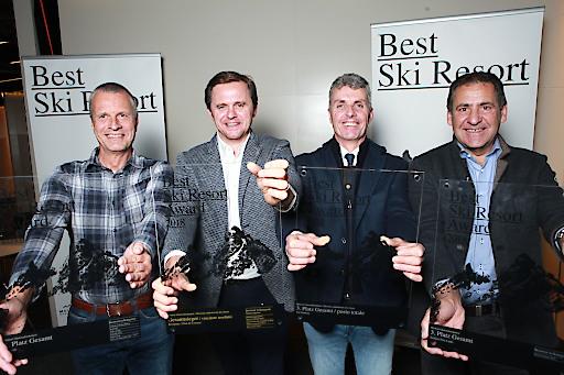 Die Top 3 bei BEST SKI RESORT 2018 (v.l.): Markus Hasler (Zermatt, Platz 2), Matthias Prugger (Kronplatz, Platz 1), Andreas Schenk (Gröden/Val Gardena, Platz 3) und Hubert Pale (Serfaus-Fiss-Ladis, Platz 3).