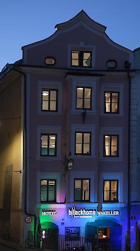 Außenansicht b(l)ackhome Innsbruck Innsbrücke
