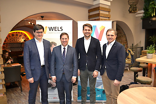 v.l.n.r.: Mag. Edlbauer (Obmann WKO Wels), Bgm. Dr. Andreas Rabl, Wirtschaftsstadtrat Peter Lehner, Peter Jungreithmair (GF Wels Marketing & Touristik GmbH, WBA)