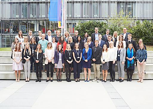Kandidatinnen und Kandidaten, Jury Mitglieder mit Generalsekretärin Julia Stelzl