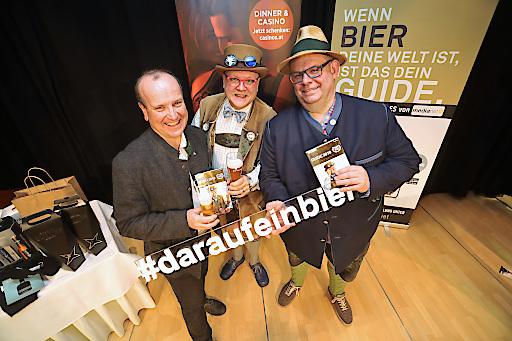 https://www.apa-fotoservice.at/galerie/18379 Im Bild v.l.n.r.: Karl Schiffner (Biersommelier Weltmeister), Konrad Seidl (Bierpapst), Karl Zuser (Biergasthof Riedberg)