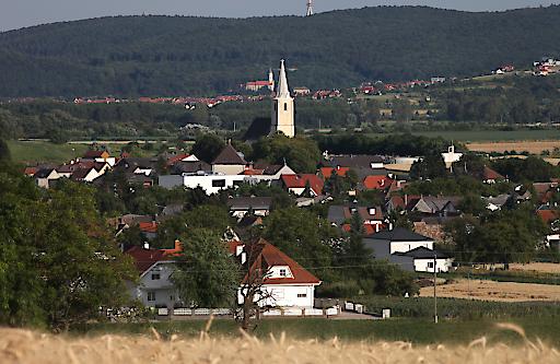 Ansicht der Marktgemeinde Schattendorf, Richtung Sopron