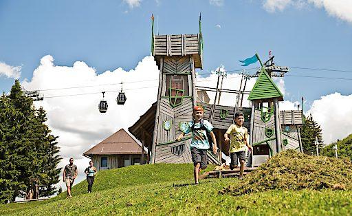 Das im Jahr 2016 errichtete Geisterschloss zählt zu den Highlights am Geisterberg im Snow Space Salzburg