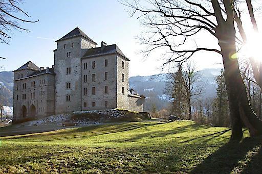 Das adelige Schloss Fischhorn wird durch seinen Betreiber Markus Hofbauer auch zum Gastgeber betroffener Familien!