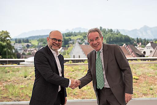 Übergabe der Präsidentschaft des ACB von Christian Mutschlechner (rechts) an Gerhard Stübe (links)