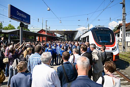 Beim Bus-Bahn-Mobiltag am 16. Juli 2019 in Dornbirn informierten sich tausende Besucherinnen und Besucher über die neuen ÖBB Cityjet TALENT3.