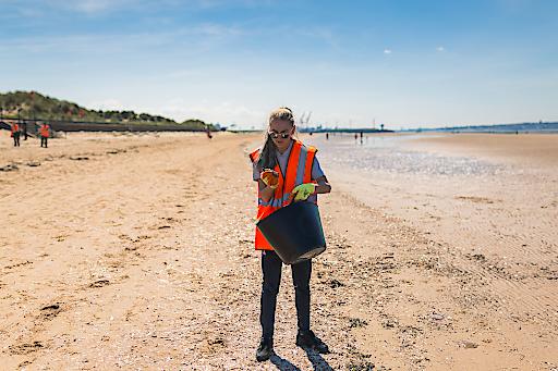 """Penta Hotels World Cleanup Day 2019. Credit: Crosby Michelle Roberts. Weiterer Text über ots und www.presseportal.de/nr/108628 / Die Verwendung dieses Bildes ist für redaktionelle Zwecke honorarfrei. Veröffentlichung bitte unter Quellenangabe: """"obs/Pentahotels/Crosby Michelle Roberts"""""""