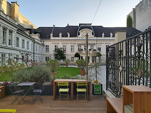 Carl Ludwig Cafe, Palaishof