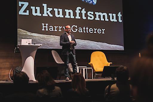 Der gebürtige Kufsteiner Harry Gatterer vom Zukunftsinstitut bei seinem Vortrag anlässlich der Beady Days im Kufsteinerland