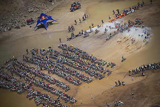 Participants races during the Red Bull Hare Scramble 2019 in Eisenerz, Austria on June 2, 2019 // Philip Platzer/Red Bull Content Pool // AP-1ZH9SVB5D2111 // Usage for editorial use only // Please go to www.redbullcontentpool.com for further information. //