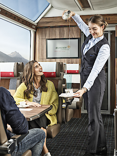 Glacier Express Schnapsakrobatik 1. Klasse