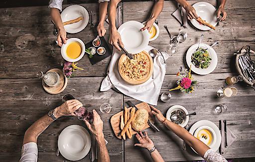 Die ausgezeichneten Lokale im Kufsteinerland repräsentieren mit einer anregenden Mischung aus gepflegter Wirtshaustradition und junger, kreativer Küche die gastronomischen Vorzüge der Region.