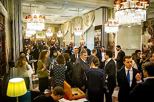 Der feierliche Marmorsaal im Hotel Sacher Wien